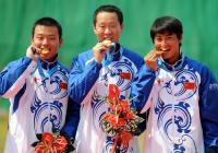 [高清组图]中国队获得男子飞碟双多向团体赛冠军