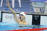 [高清组图]王益楠夺得男子400米自由泳S8级冠军