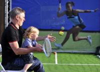 [高清组图]伦敦残奥会多棱镜-小小网球手