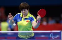 [高清组图]雷丽娜夺得乒乓球女子单打9级冠军